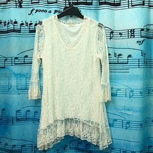Sheer sleeved lace tunic
